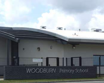 Image of the entrance to Woodburn Primary School